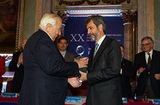 MANUEL OLIVENCIA RUIZ, GALARDONADO CON EL XX PREMIO PELAYO PARA JURISTAS DE RECONOCIDO PRESTIGIO
